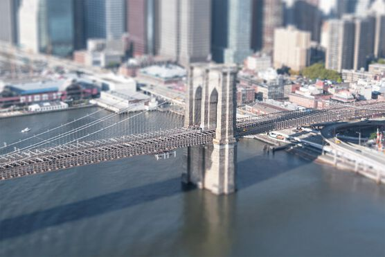 Photo Tilt Shift Brooklyn Bridge - Richard Silver