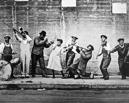 Photo L'orchestre de Joe King Oliver - PHOTOGRAPHE ANONYME