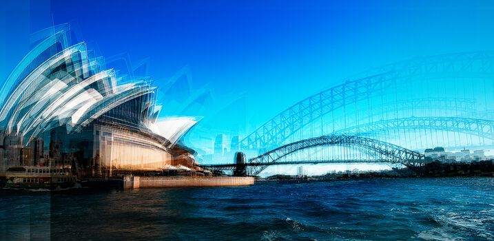 Photo Sailing Past the Opera House - Laurent Dequick
