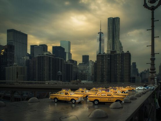 Photo YellowCab on Brooklyn Bridge - Ron Gessel