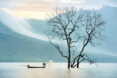 Fishing on nam ka lake