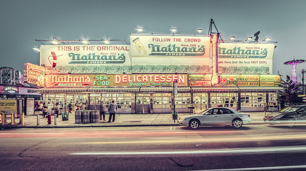 Photo NATHAN'S FAMOUS - Laurent Dequick
