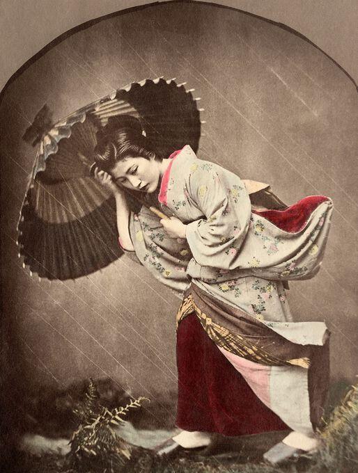 Photo Japonaise sous l'orage - Kusakabe Kimbei