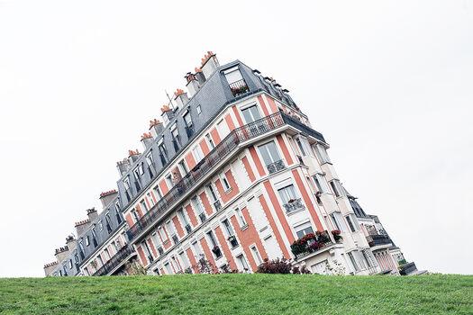 Photo FALLING BUILDING - Guillaume Dutreix