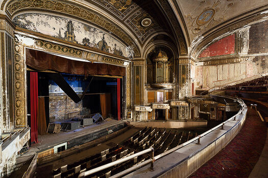Photo LOEW'S POLI THEATRE II - Matt  Lambros