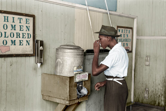 Photo 1939 MAN DRINKING OKLAHOMA - Marie-Lou Chatel