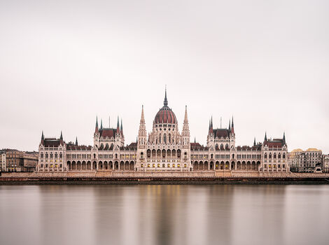 Photo BUDAPEST PARLMENT - Ludwig Favre