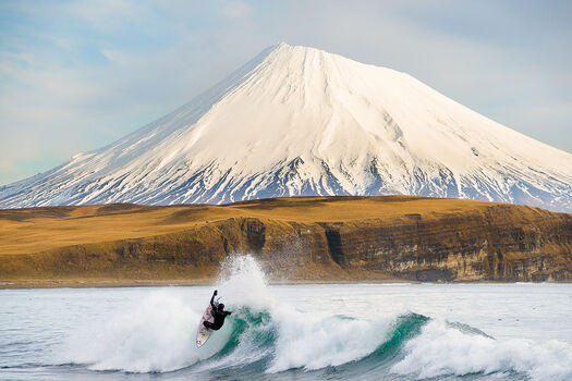 Photo Alex Gray Peak - Chris Burkard