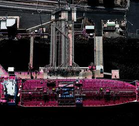 Photo Pink Ship - Kate Ballis