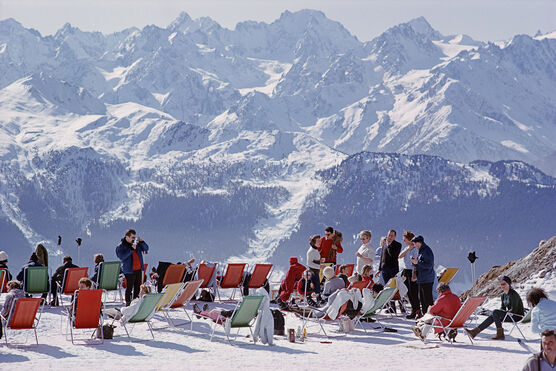 Photo Lounging In Verbier - Slim Aarons