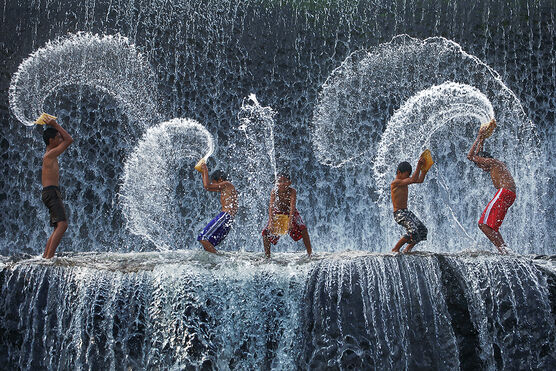 Photo WATER HARMONY - RARINDRA PRAKARSA