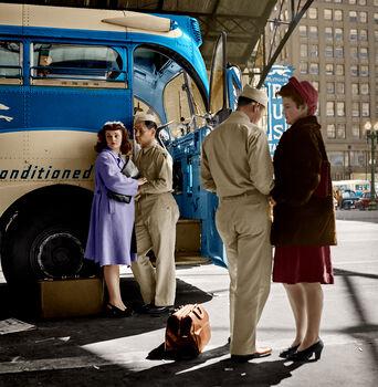 Photo 1943 SAYING GOODBYE - Marie-Lou Chatel