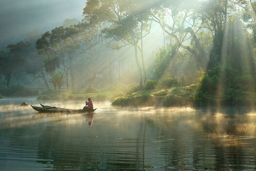 Photo LIGHT AND MIST - RARINDRA PRAKARSA