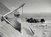 M. Hulot sous les toits de l'hôtel de la plage
