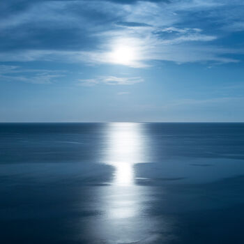Photo BIG MOON BIG BLUE - PO CHEN