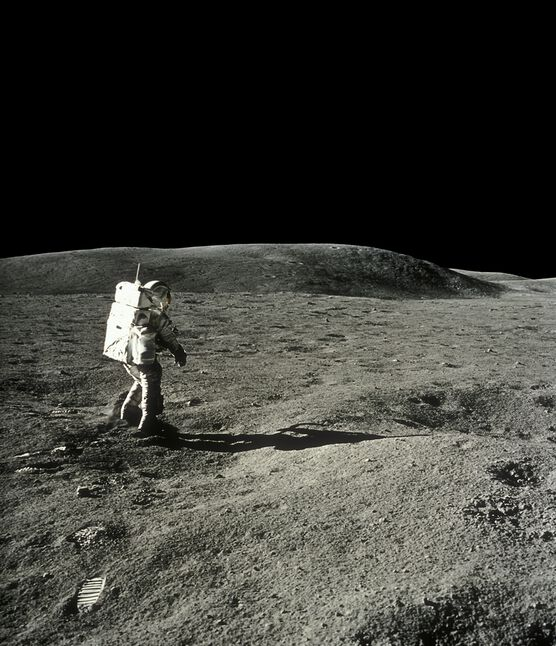 Photo Charles Duke, Apollo 16 - CIEL & ESPACE PHOTOS