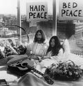 Photo Bed Peace - KEYSTONE AGENCY