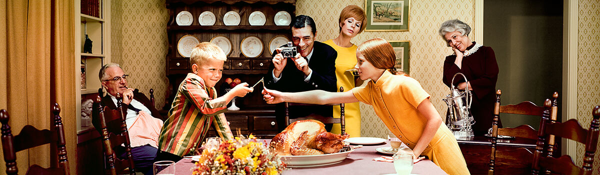 Photo THANKSGIVING DINNER 1968 - Colorama