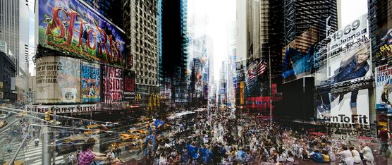Photo Times Square At 5 - Laurent Dequick