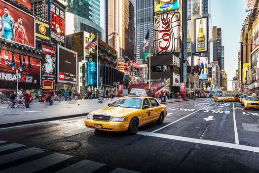 Photo Times square yellow cab - Ludwig Favre