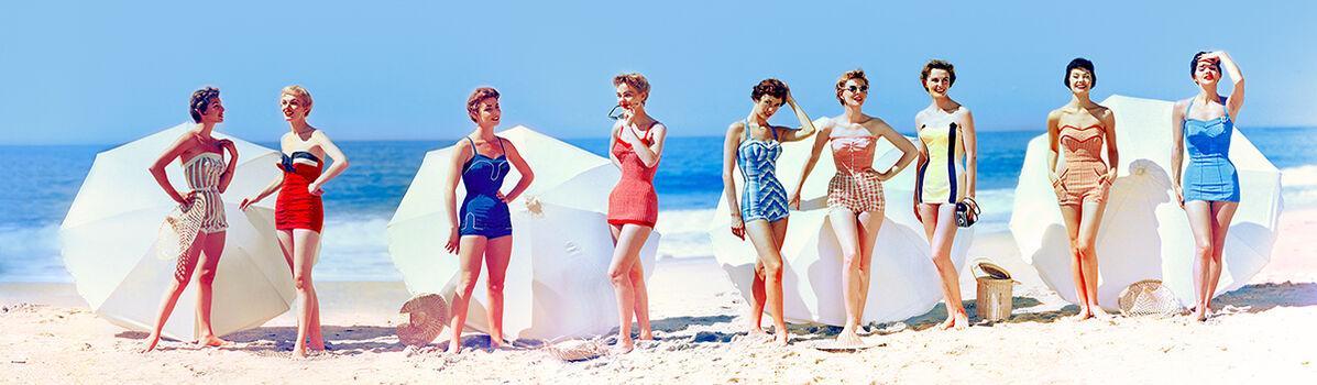 Photo FASHIONS IN CHROMSPUN SWIMSUITS 1954 - Colorama