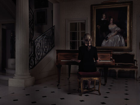 Photo WOMAN AT THE PIANO - Guillaume Dutreix