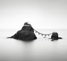 Photo Meoto Iwa - Stefano Orazzini