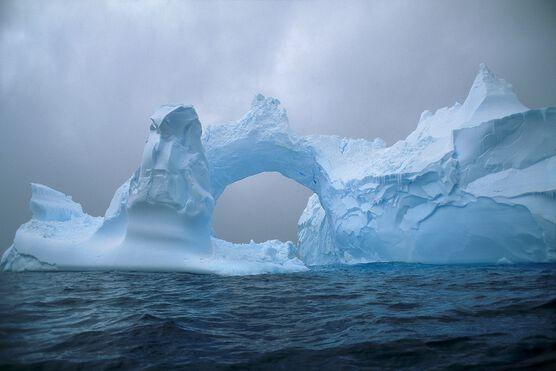 Photo Arch of Ice - Patrick de Wilde