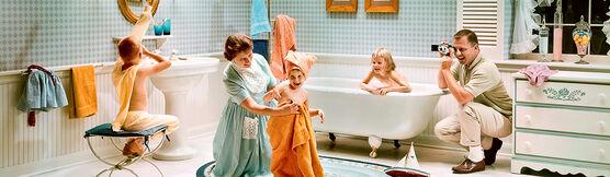 Photo SATURDAY NIGHT BATH 1964 - Colorama