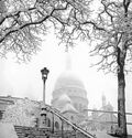Photo BASILIQUE DU SACRE-COEUR SOUS LA NEIGE A PARIS 1935 - GAMMA AGENCY