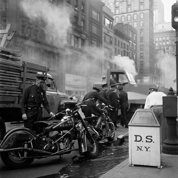 Photo Motards de la police avant le défilé, New York, 19 - Jack Nisberg