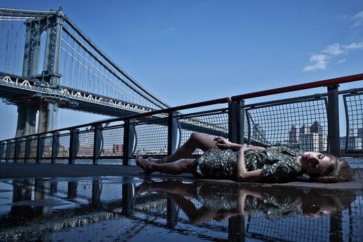 Photo Irina manhattan bridge - Formento+Formento