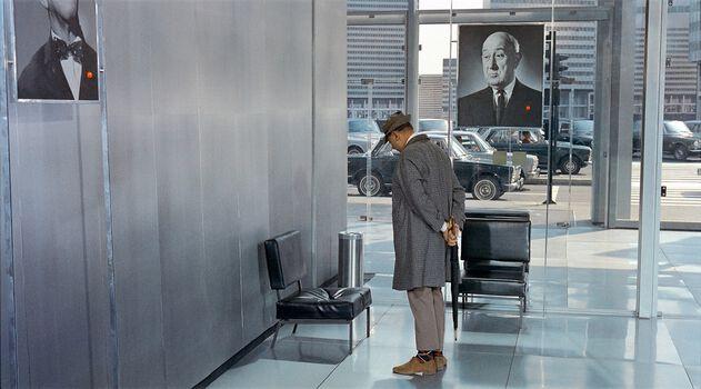 Photo M. Hulot dans la salle d'attente - Jacques Tati