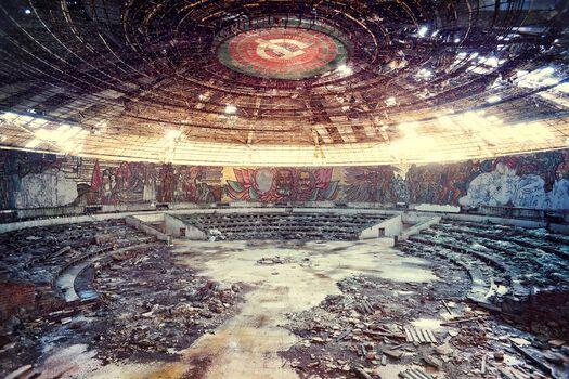 Photo Dogma, le temple communiste - Aurélien Villette