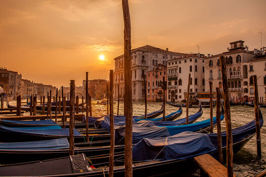 Photo GRAND CANAL ORANGE SUNSET - Serge Ramelli