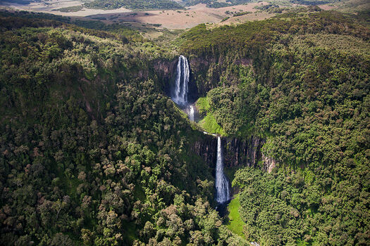 Photo KARURU FALLS - FRANK MULLIEZ