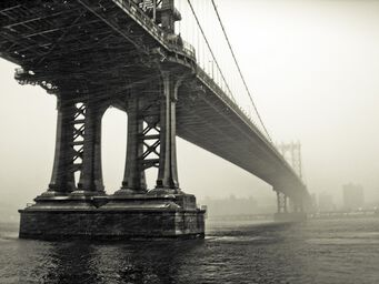 Manhattan Bridge dans la brume