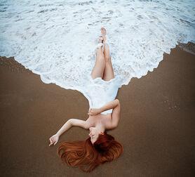 Photo EMBRACE THE ENDLESS OCEAN - Maryna Khomenko