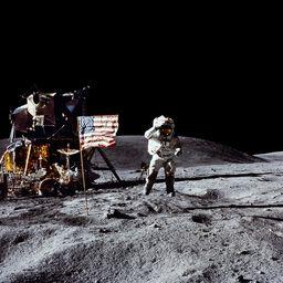 John Young, Apollo 16