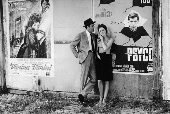 Photo BRIGITTE BARDOT ET MICHEL PICCOLI - GAMMA AGENCY